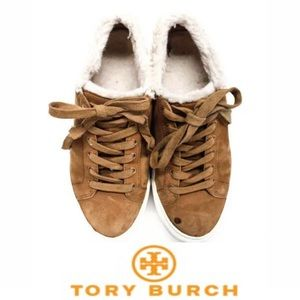 TORY BURCH SIZE 5.5 TAN SUEDE SHEARLING LINED